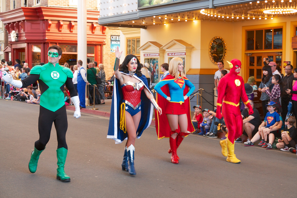 Cómo contratar una fiesta de superhéroes en Madrid-Contrato de servicios independientes